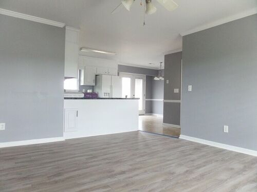 Paint Colors To Go With Gray Flooring