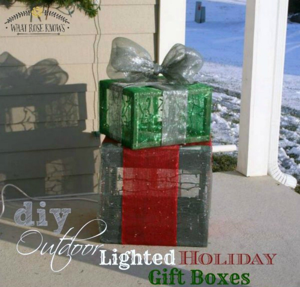 Make your own outdoor christmas decorations - Pinch Mesh Into Light Up Presents