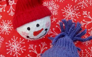 snowman ornaments from golf balls , christmas decorations, seasonal holiday decor, Make a variety of colors faces