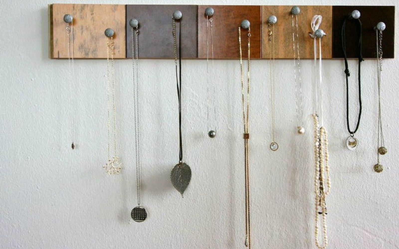 s 21 jewelry organizing ideas that are better than a jewelry box, organizing, This great decor piece with floor samples