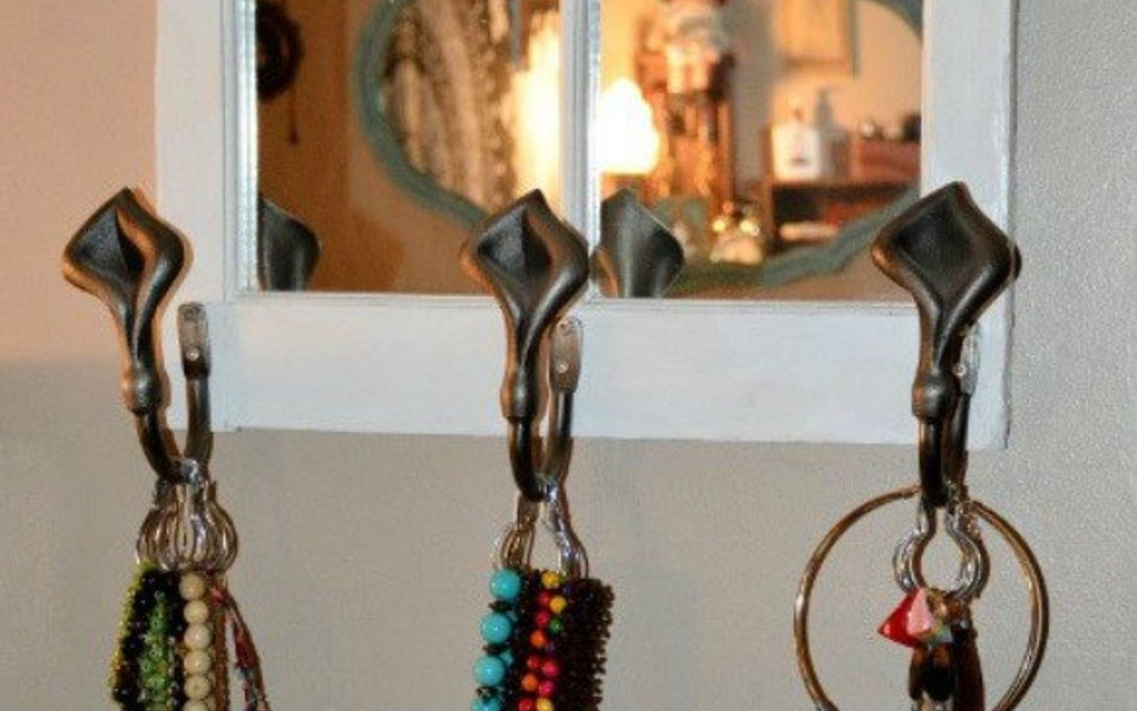 s 21 jewelry organizing ideas that are better than a jewelry box, organizing, This organizer with shower curtain hooks