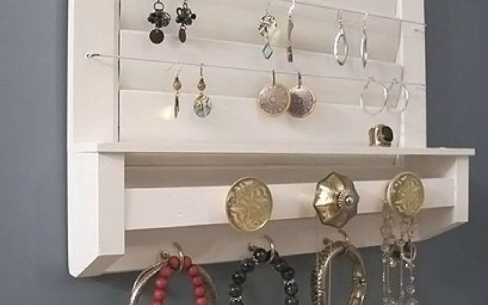 s 21 jewelry organizing ideas that are better than a jewelry box, organizing, This reclaimed window shutter