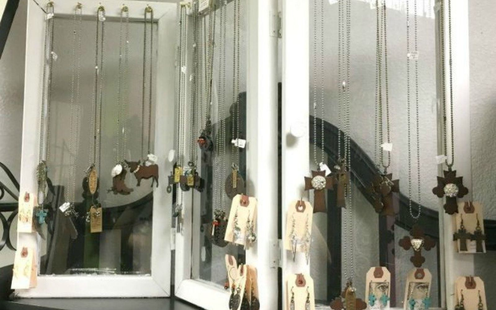 s 21 jewelry organizing ideas that are better than a jewelry box, organizing, These hinged window panes