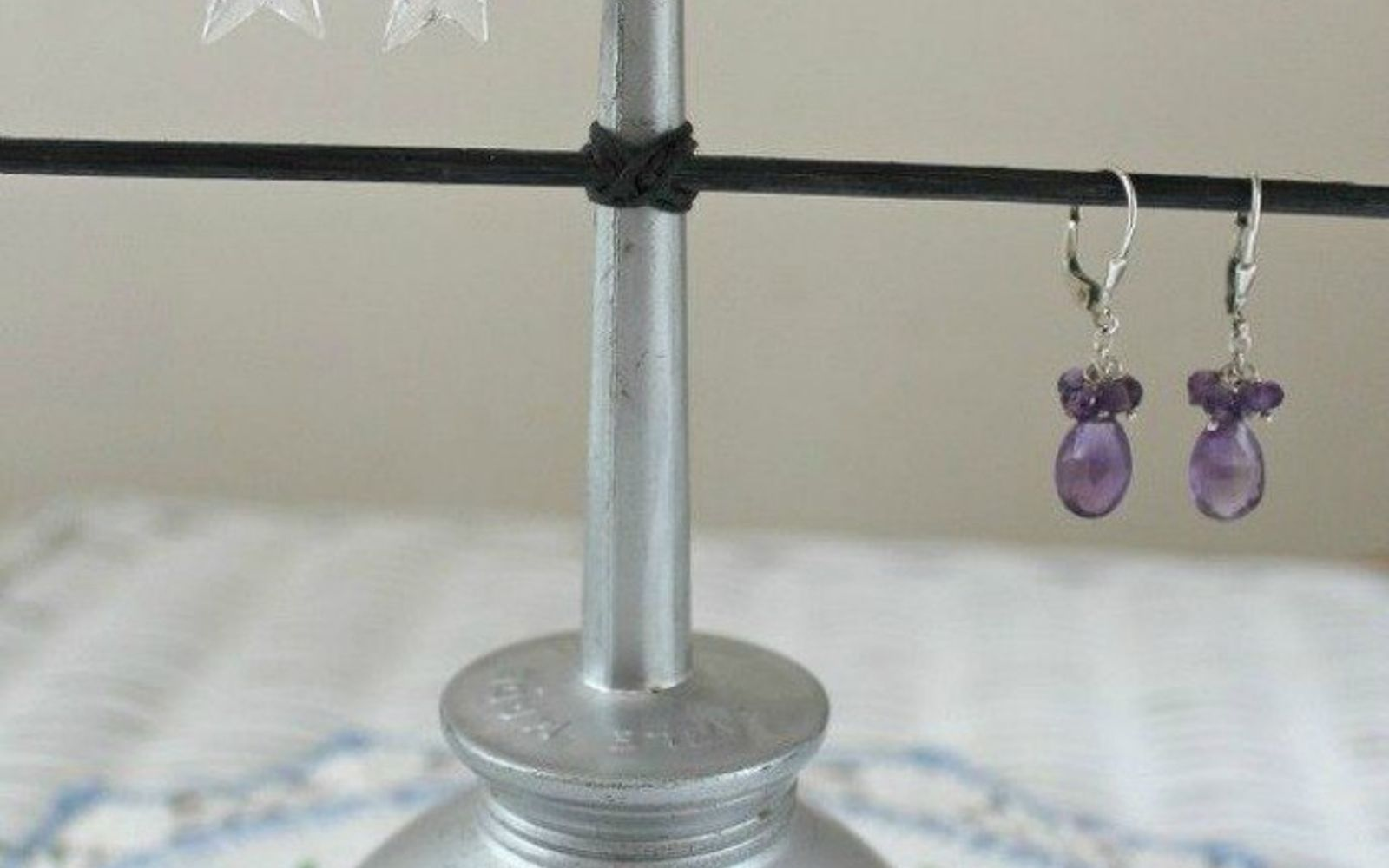 s 21 jewelry organizing ideas that are better than a jewelry box, organizing, This reused vintage oil can and skewers