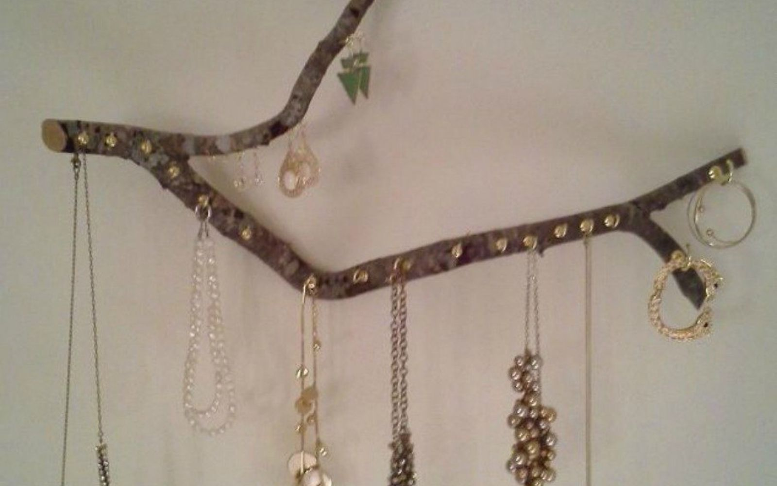 s 21 jewelry organizing ideas that are better than a jewelry box, organizing, This hanging wooden branch