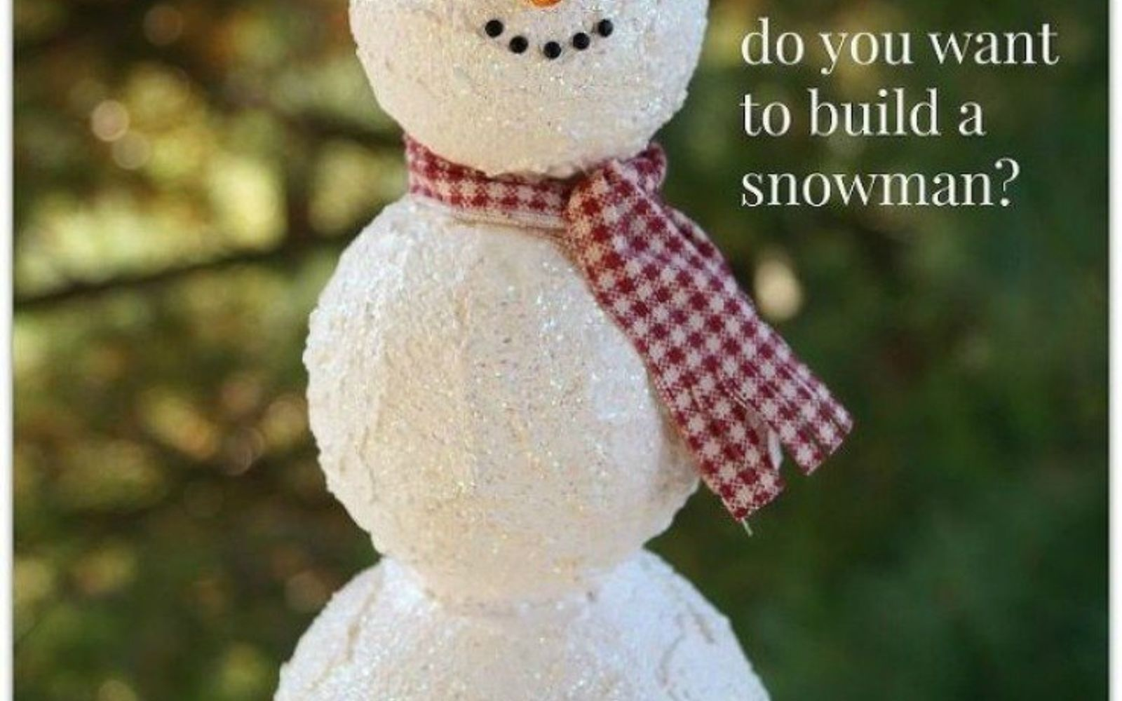 s cut up styrofoam for these breathtaking christmas ideas, christmas decorations, Stack them into a cute snowman