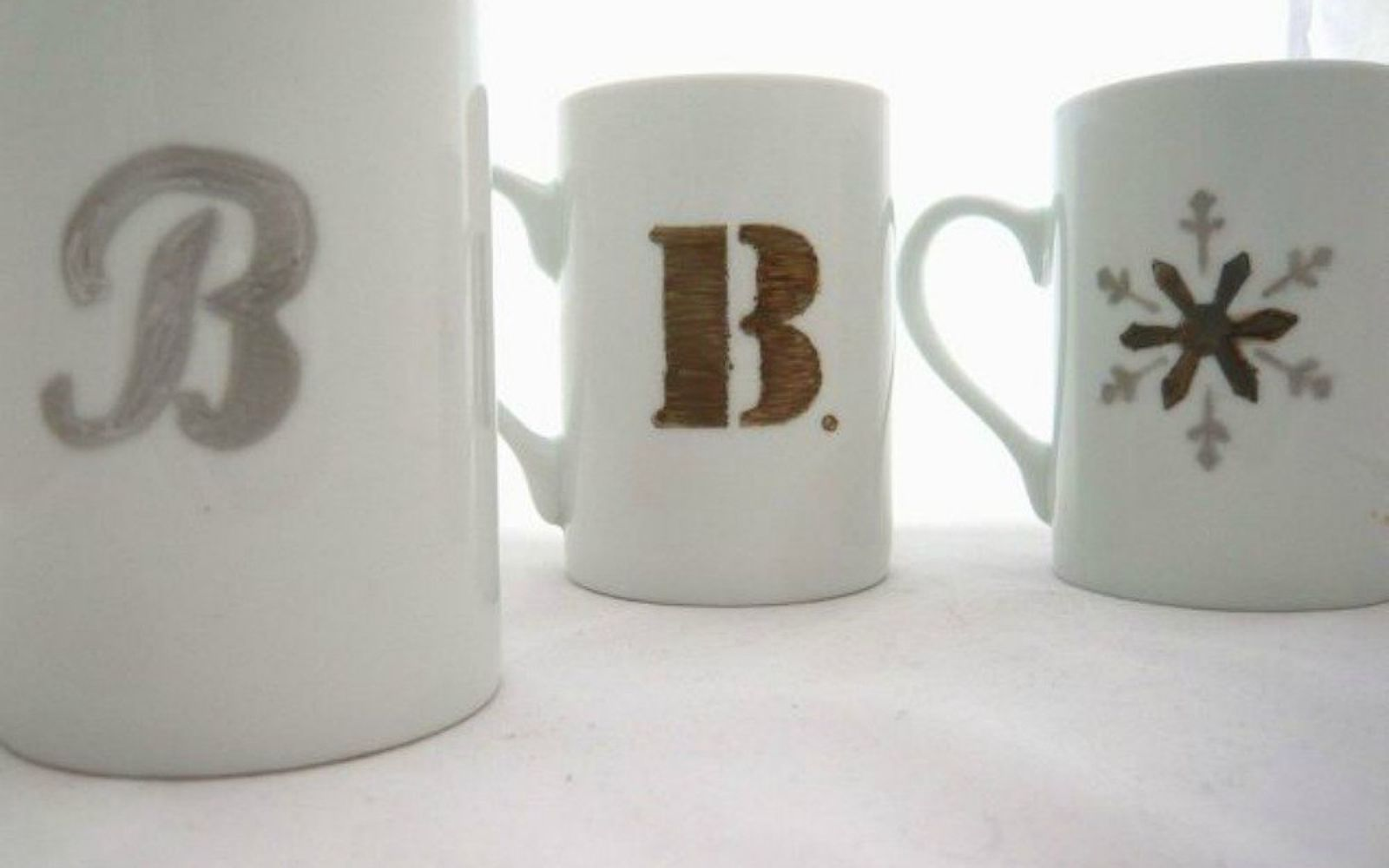 s 18 diy christmas gift ideas you ll want to keep for your home, home decor, These personalized coffee mugs