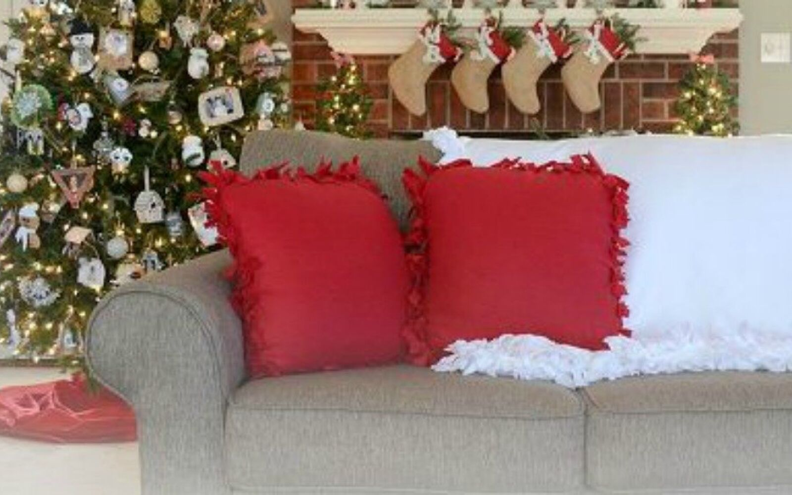 s 18 diy christmas gift ideas you ll want to keep for your home, home decor, This no sew fleece pillow