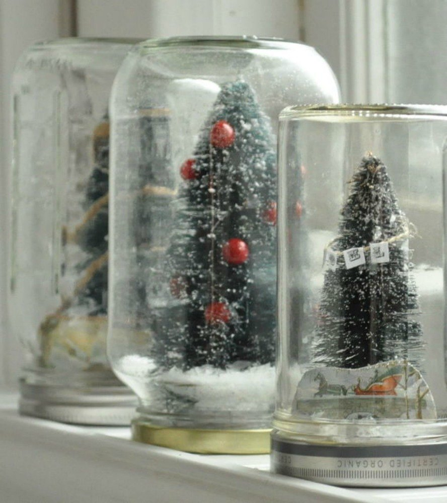 Why everyone is decorating with fake snow this christmas