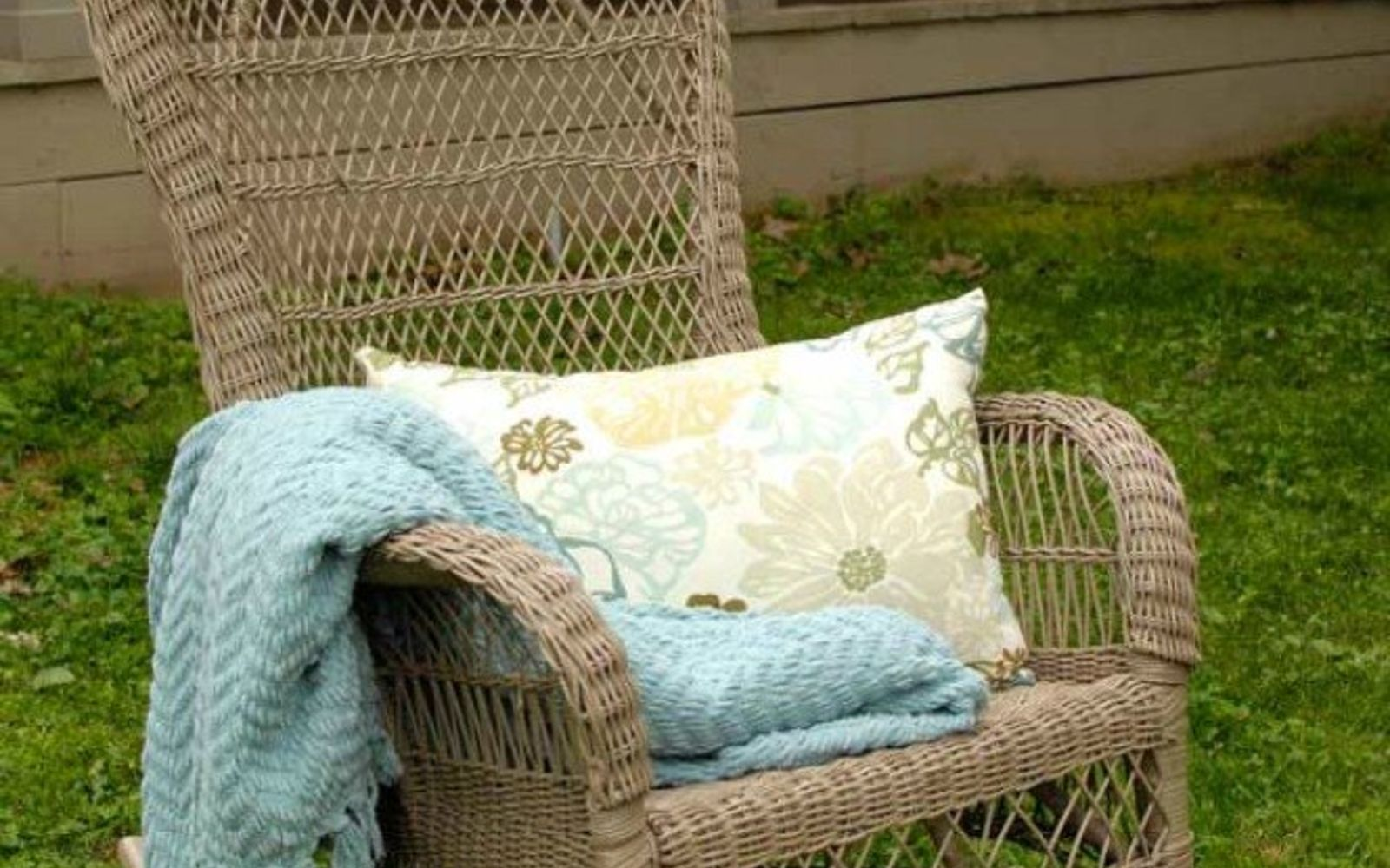 s make wicker trendy again with these brilliant ideas, painted furniture, After A lovely chair for your outdoor porch