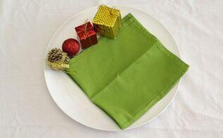 fold your christmas napkins