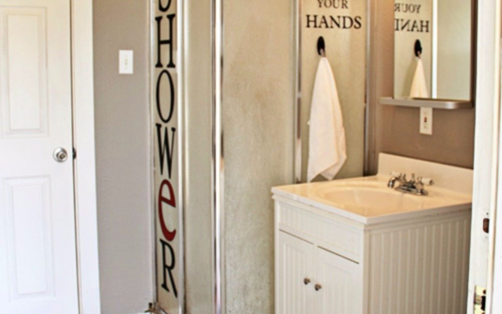 s give your kids the coolest bathroom with these 13 jaw dropping ideas, bathroom ideas, Add some funny stencils to keep them smiling