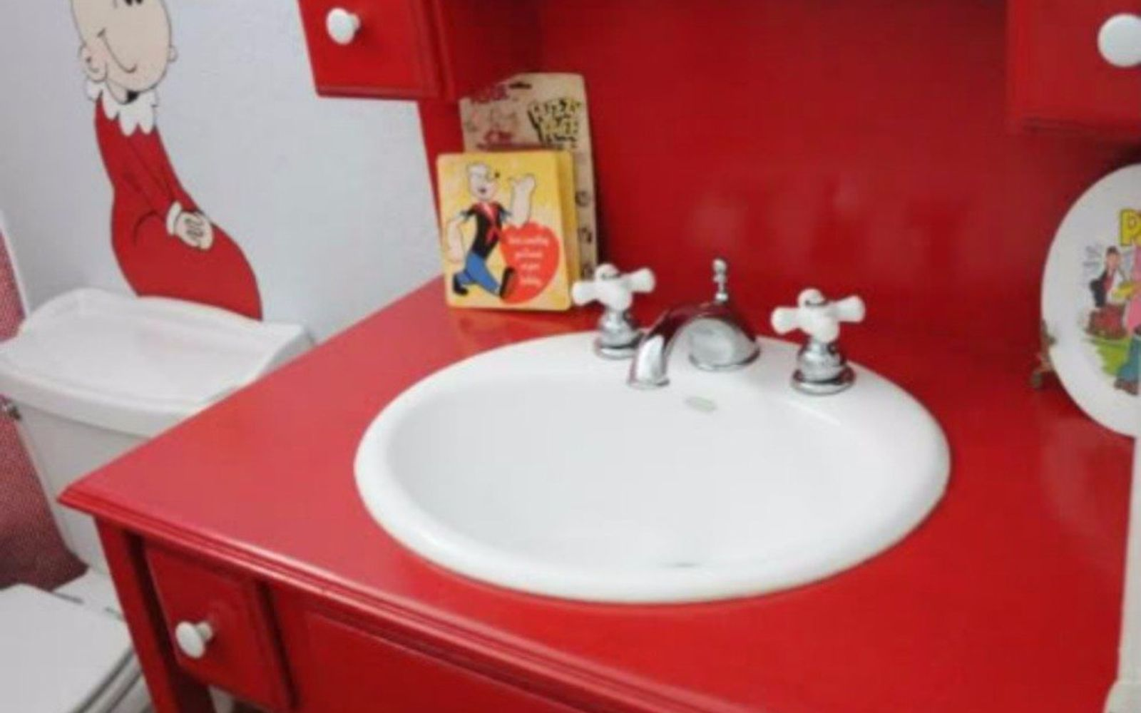 s give your kids the coolest bathroom with these 13 jaw dropping ideas, bathroom ideas, Make a tiny space pop with Popeye