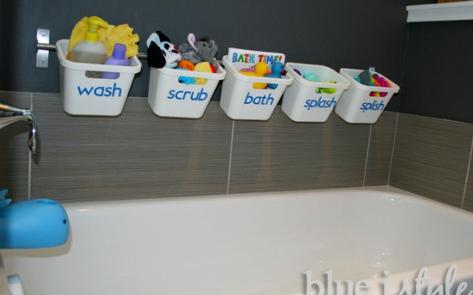 s give your kids the coolest bathroom with these 13 jaw dropping ideas, bathroom ideas, Make it all about bathtime