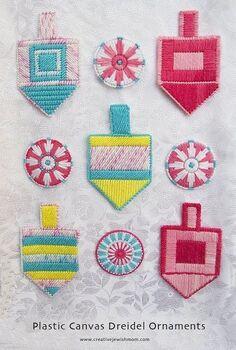 plastic canvas dreidel ornaments, christmas decorations, seasonal holiday decor