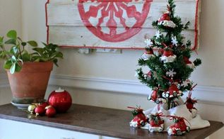 use an old piece of fence for a christmas painting, fences