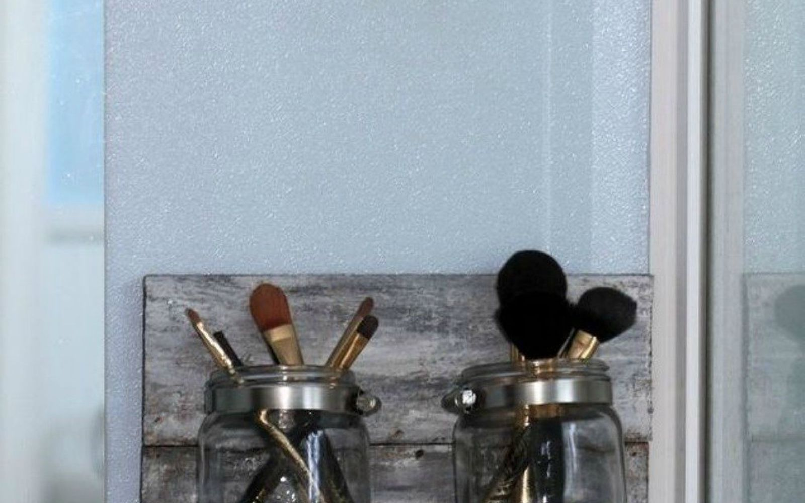 s 14 exciting mason jar ideas you just have to try, mason jars, 12 The cool clear makeup brush organizer