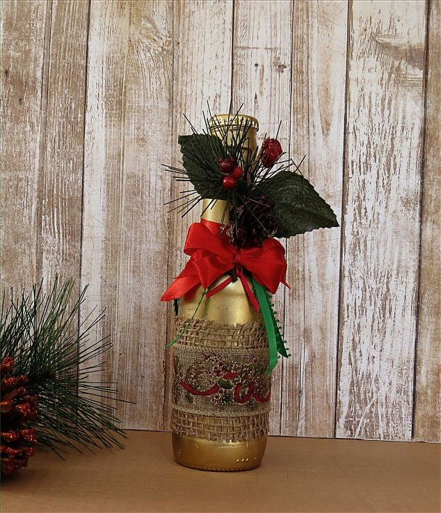 How to transform those empty beer bottles in beautiful for Beer bottle decoration ideas