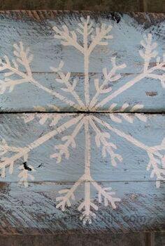 painted pallet wood snowflakes, pallet