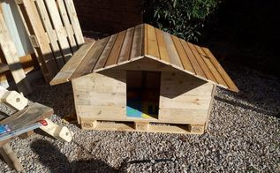 reclaimed pallet wood dog house, pallet
