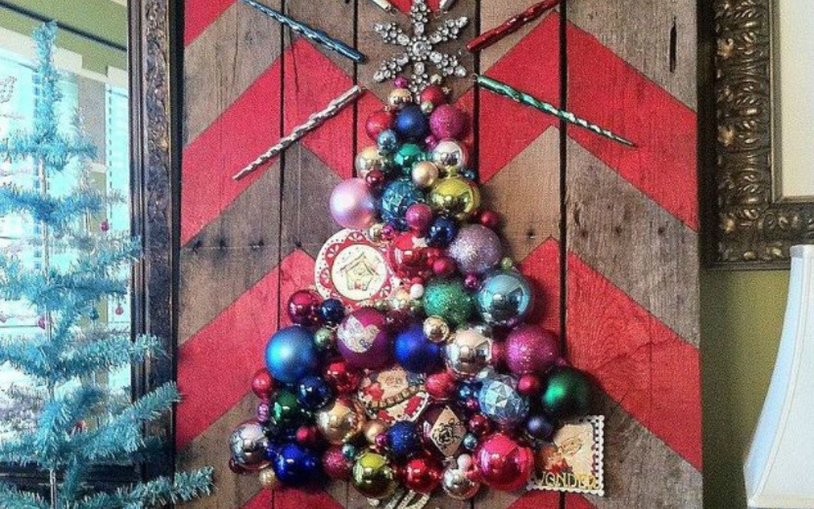 s forget your traditional christmas tree these are even better, Glue your ornaments onto pallet wood