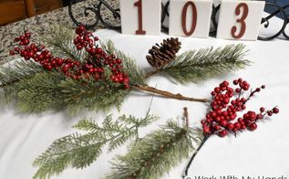 house number door hanger christmas edition, doors