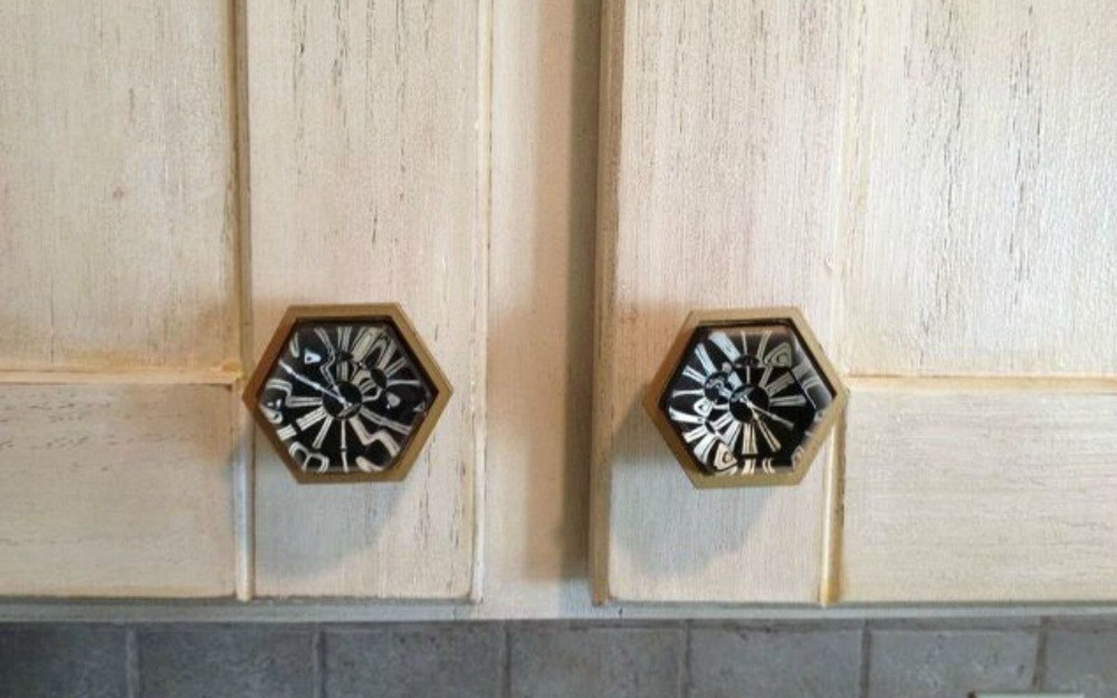 s upgrade your boring cabinets with these 11 knob ideas, kitchen cabinets, kitchen design, Style them from ceramic