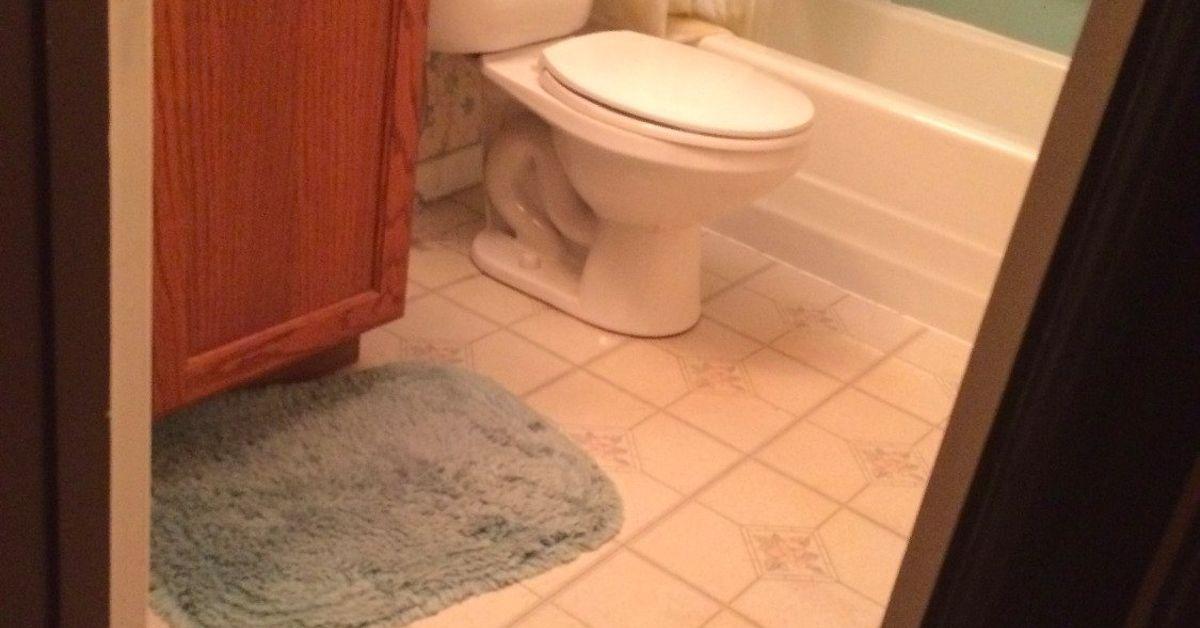 Small bathroom makeover under 2 750 hometalk for Small baths 1200