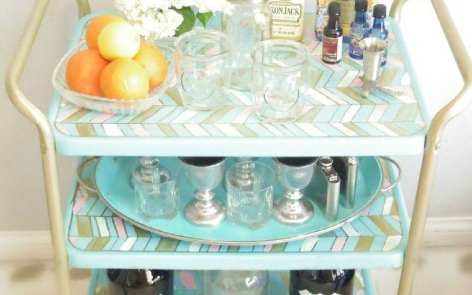s be the best hostess on the block with these 16 home hacks, home decor, Roll out a bar cart keep everyone hydrated