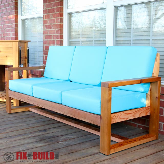 Diy modern outdoor sofa hometalk for Sofa exterior diy