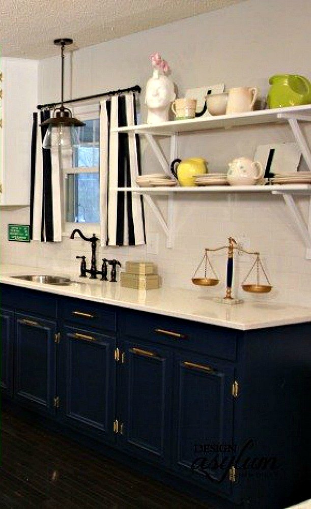 clean painting kitchen cabinets white | 12 Reasons Not to Paint Your Kitchen Cabinets White | Hometalk