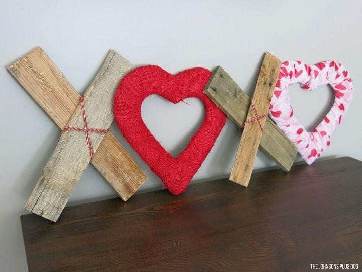 Diy xoxo reclaimed wood hearts valentine 39 s day decor Diy valentine s day decorations for home