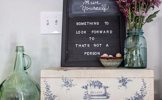 turn a restaurant sign into a letterboard, crafts