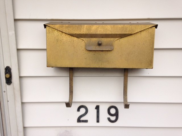 mailbox makeover with contact paper liner