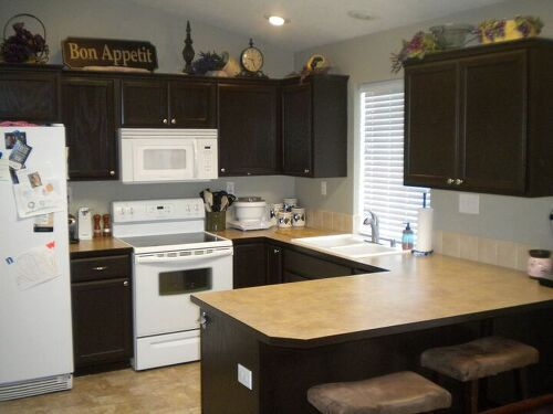 What's the easiest way to paint wooden kitchen cabinets?? | Hometalk