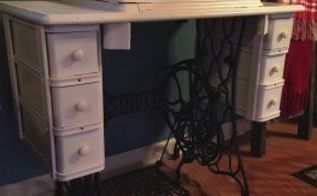 diy singer sewing table turned farmhouse end table, painted furniture
