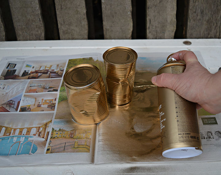 10 Minute Upcycled Crushed Gold Tin Can Planters. | Hometalk