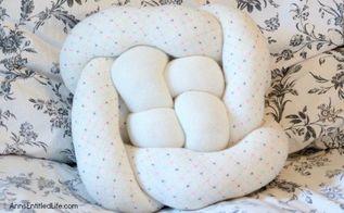 knot pillow diy tutorial