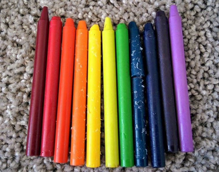 Diy Melted Crayon Picture With A Glue Gun Hometalk