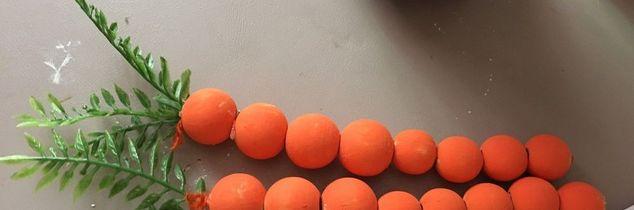 q wooden bead carrots