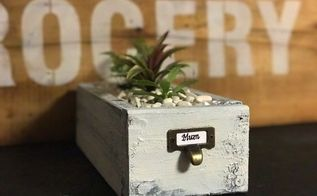mini planter box table decor idea