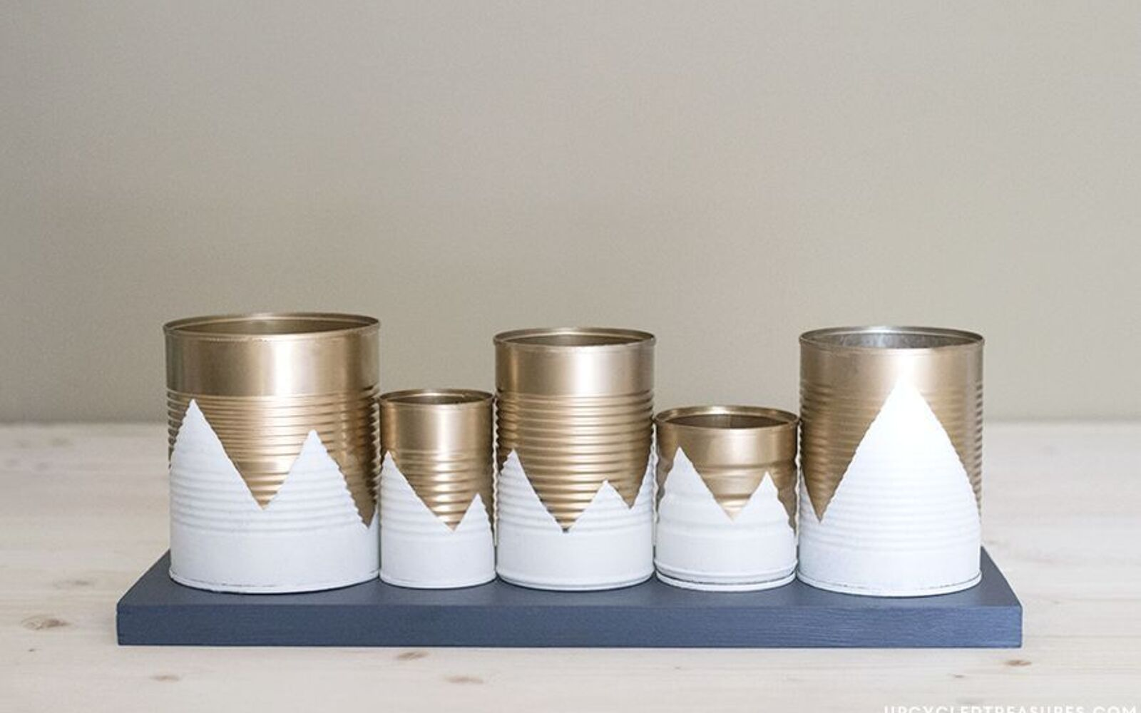 s post, Craft Tin Cans Into Pencil Holders With Spray