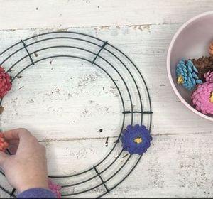 s 10 wreath ideas to brighten up your front door