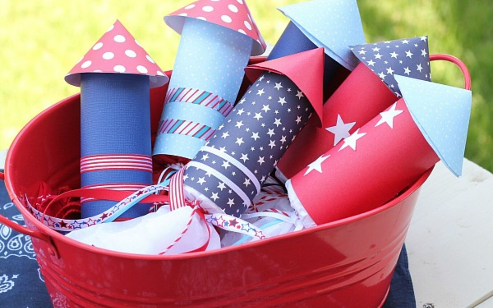 s 30 adorable diy ideas for july 4th, Make fun TP roll candy rockets for kids