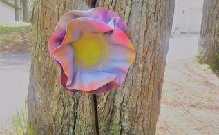 repurpose old record albums into beautiful garden art
