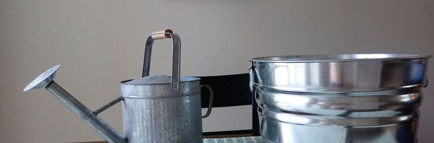 q how do i make shiny galvanized steel look dull like the watering can