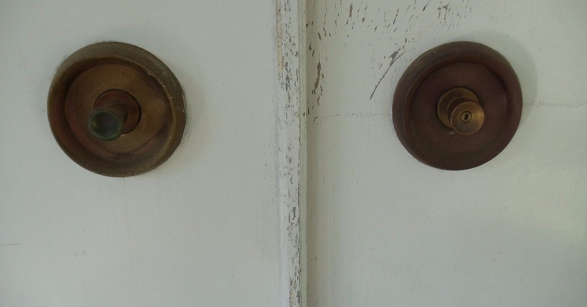 how to clean old brass doorknobs hometalk. Black Bedroom Furniture Sets. Home Design Ideas