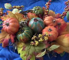 lightbulb gourd in a harvest basket, The finished centerpiece