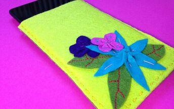 diy tablet sleeve with felt flowers