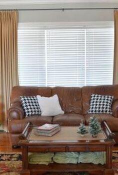 holiday home tour, christmas decorations, seasonal holiday decor, wreaths, Living Room where we put our Christmas Tree